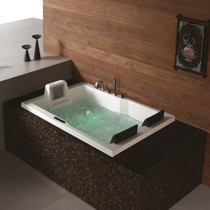 Truro Luxury Massage Tub